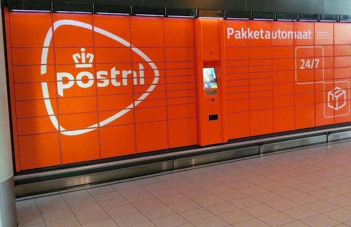 Pakketjes van webshops bezorgen bij een Pakketautomaat